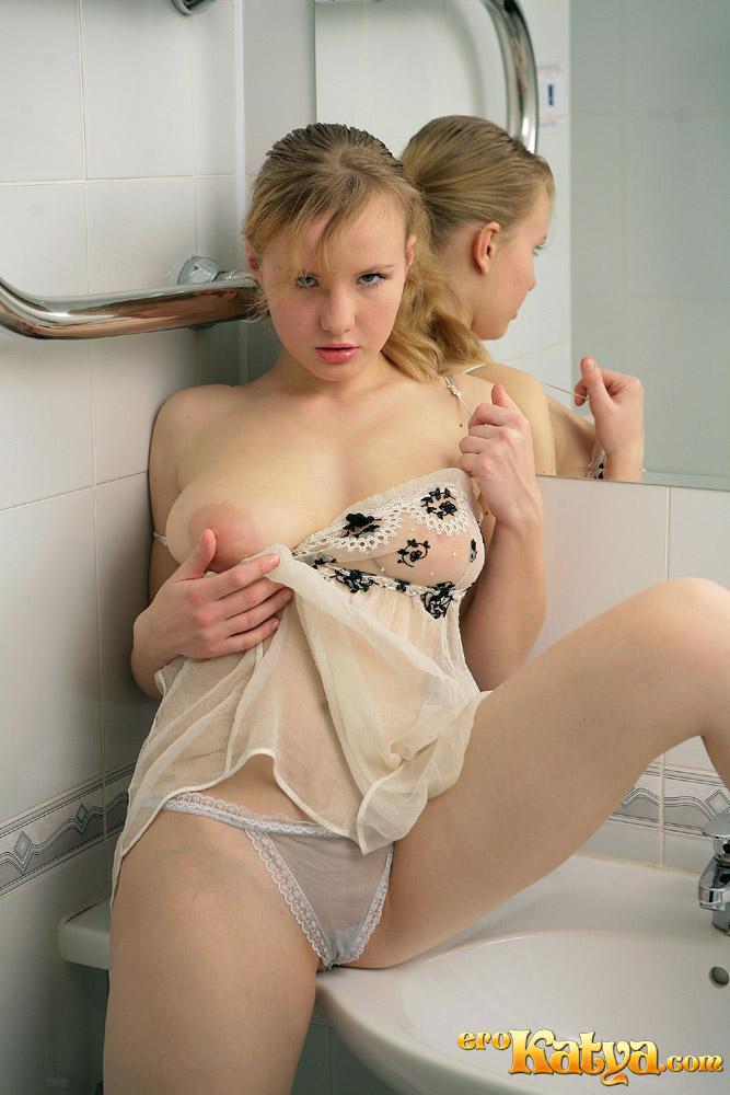 Pics Hot iowa naked in girls